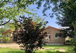 Location vacances  Ain - Eco-lodge Nature , mini home de charme au coeur d'Amberieu- Le champs de la fontaine-1