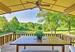 Location vacances West Plains - Mid-Century Modern Cottage with Fire Pit and Deck-2