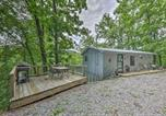 Location vacances Crossville - Getaway on Center Hill Lake with Decks and Water Views-4