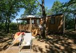 Camping avec Piscine couverte / chauffée Reilhaguet - Sites et Paysages Les Hirondelles-2