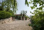 Location vacances Padenghe sul Garda - Villaggio d'Annunzio Apartment Sleeps 4 Pool Wifi-4