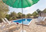 Location vacances Omiš - Three-Bedroom Holiday home Gata with an Outdoor Swimming Pool 06-4