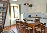Location vacances  Province de Pistoia - Serravalle Pistoiese Villa Sleeps 10 Pool Wifi-4