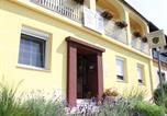 Location vacances Weiden am See - Gästehaus & Shiatsu Schreier-1