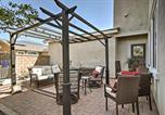 Location vacances Fontana - Shady Trails Fontana Home with Loft&Furnished Patio-2