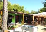 Location vacances  Province de Foggia - Vieste Villa Sleeps 4 Air Con Wifi-4