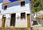 Location vacances El Saucejo - Lemon Tree Patio cosy 1-Bed Cottage in Olvera-2