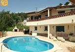 Location vacances Puig Ventós - Montbarbat Villa Sleeps 8 with Pool and Wifi-1