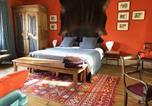 Location vacances Versailles - Bed in Versailles - Villa de la Pièce d'Eau des Suisses-1