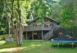 Location vacances Minneapolis - Waterfront Luck Cabin w/Bone Lake Views & Zipline!-1