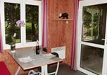 Location vacances  Rhône - Holiday home Les Portes Du Beaujolais 1-2