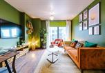 Location vacances Sheffield - Top-Rated Chic Newly Decorated Apartment, Superb Location in Kelham Island with Balcony-1