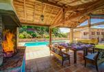 Location vacances Mouzieys-Panens - Sainte-Cecile-du-Cayrou Villa Sleeps 14 Pool Wifi-4