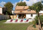 Location vacances Arès - Belle maison landaise avec piscine pour 12 Pers.-1