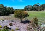 Location vacances Albany - Escape to Magpie Eco Chalet-3
