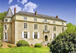Location vacances  Dordogne - Chateau De Sioraque-1