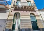 Location vacances Giarre - Lovely Apartment in Riposto near Spiaggia Sea-1