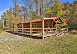 Location vacances Bridgeport - Pet-Friendly Semper Fi Cabin with Fire Pit!-3