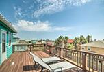 Location vacances Freeport - Surfside Retreat Steps to Beach and Local Eats!-1