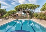 Location vacances Premià de Mar - Four-Bedroom Holiday Home in Cabrils-1