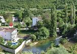 Location vacances Trilj - Five-Bedroom Holiday Home in Grab-2