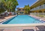 Location vacances St Pete Beach - Waves 17, 1 Bedroom, Sleeps 4, Pool View, Heated Pool, Bbq, Wifi-2