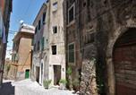 Location vacances Castel Madama - Warm Apartment for 4 Persons in Tivoli Town Center-1
