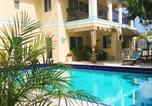 Location vacances Lauderdale-by-the-Sea - Beach Aqualina Apartments-1