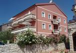 Location vacances Stari Grad - Apartmani Perić-1