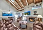 Location vacances South Lake Tahoe - 4 Bd Townhome Near Lake Tahoe Shore with Shared Outdoor Pool & Hot Tub townhouse-3