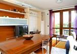 Location vacances Costermano - Villa con ampio giardino esterno e piscina condominiale-2