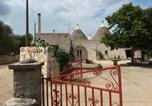 Location vacances Locorotondo - Trulli l'utopia di Anny trulli Anny's utopia-1
