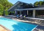 Location vacances Seignosse - Ref 111 Seignosse, Villa de standing 4 étoiles partiellement climatisée avec piscine chauffée et Wifi au calme sur terrain 1100m2-2