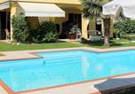 Location vacances Vénétie - Nicely decorated modern house with swimming pool near Lazise-3