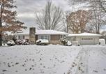 Location vacances West Middlesex - Secluded Family Friendly Home 7 Miles to Lake Erie-3