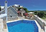 Location vacances Nerežišća - Holiday house Pergola-1