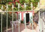 Location vacances Roussillon - Vintage Holiday Home in Provence with Terrace-2