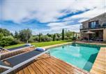 Location vacances Llubí - Llubi Holiday Home Sleeps 8 with Pool Air Con and Wifi-1