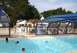 Camping avec Ambiance club Plounévez-Lochrist - Camping Village de l'Armorique-1