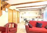 Location vacances Sarrians - Maison de 2 chambres a Monteux avec piscine partagee jardin clos et Wifi a 40 km des pistes-3