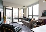 Location vacances  Wrigley Building - Gorgeous 2br/2ba Apt in River North by Domio-1