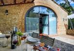 Location vacances Casole d'Elsa - Holiday Home in Tuscany with Swimming Pool-3