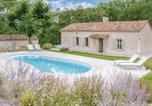 Location vacances  Lot et Garonne - Five-Bedroom Holiday Home in Sembas-1