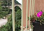 Location vacances  Drôme - Nyons Centre Appart#3: terrasse 20m2 sur rivière, jardin, plage-2
