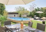 Location vacances Cornillon-Confoux - Three-Bedroom Holiday Home in Salon de Provence-2