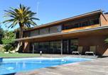 Location vacances Torrelles de Llobregat - Villa Del Bosque-1