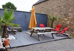 Location vacances Baguer-Pican - House with 2 bedrooms in Sains with enclosed garden and Wifi 25 km from the beach-3