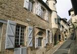 Location vacances  Corrèze - Two-Bedroom Holiday Home in Turenne-3
