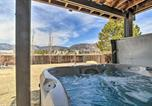 Location vacances Monument - Monument Mountain Retreat with Views and Hot Tub!-2
