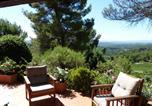 Location vacances Céreste - Le Mont d'Azur, sleeps 8, pool, petanque ground, calm beyond trees-2